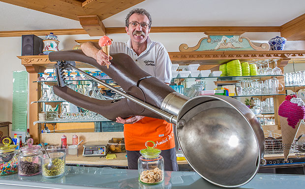 Largest ice cream scoop