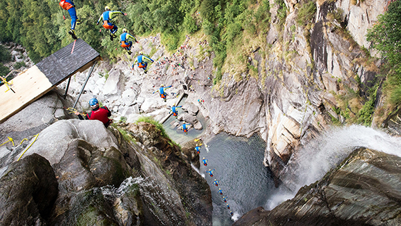 Guinness world records - Highest cliff dive ...