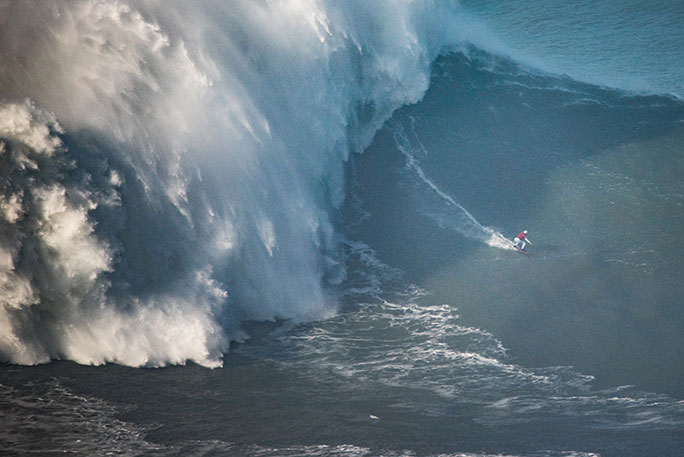 Largest wave surfed female 2