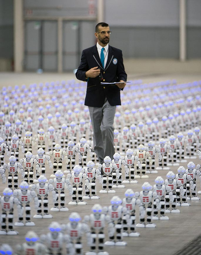 Most robots dancing simultaneously adjudicator