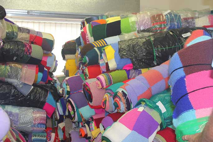 Largest hand knitted blanket contributions