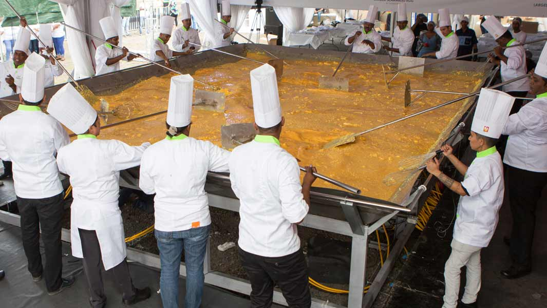Chefs from Inicia Ltée make the largest scrambled eggs in Mauritius